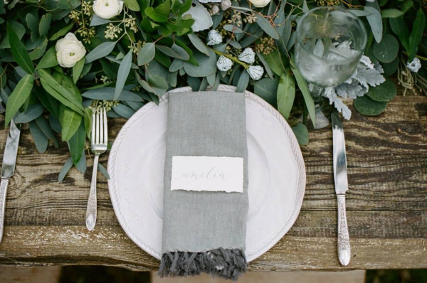stems & styles placesetting