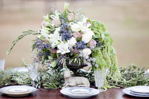 stems & styles centerpiece